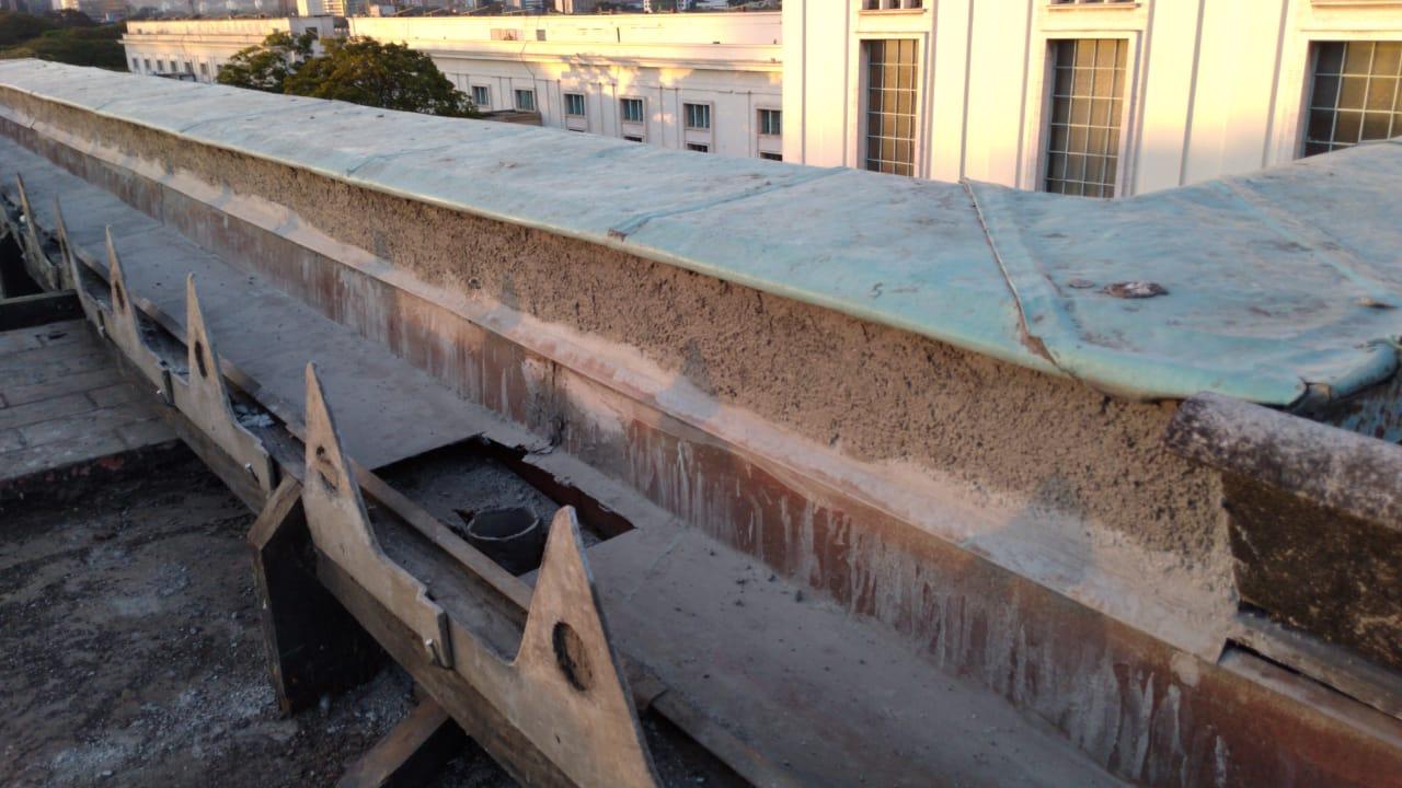 3. Remoção do telhamento para restauro - detalhe do apoio das telhas de fibrocimento