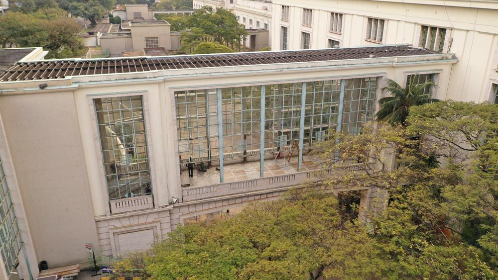 5. Vista externa da fachada lateral sem as esquadrias