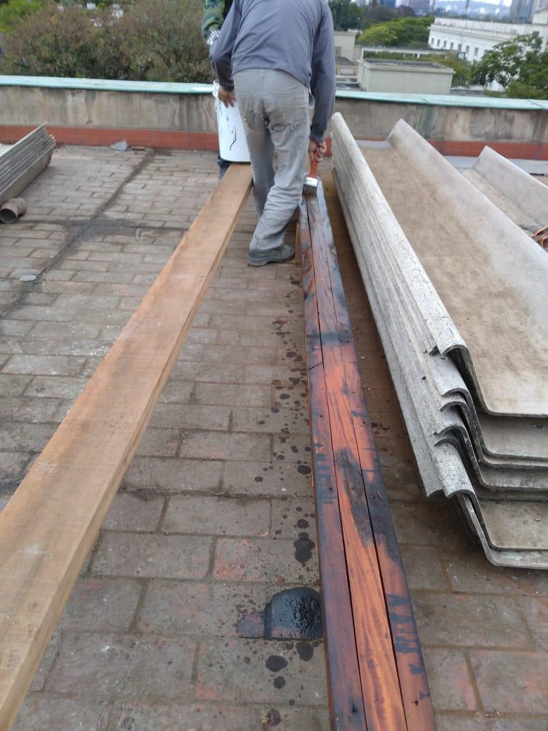 6. Remontagem do telhamento - detalhe para reconstrução do madeirame e tratamento de impermeabilização