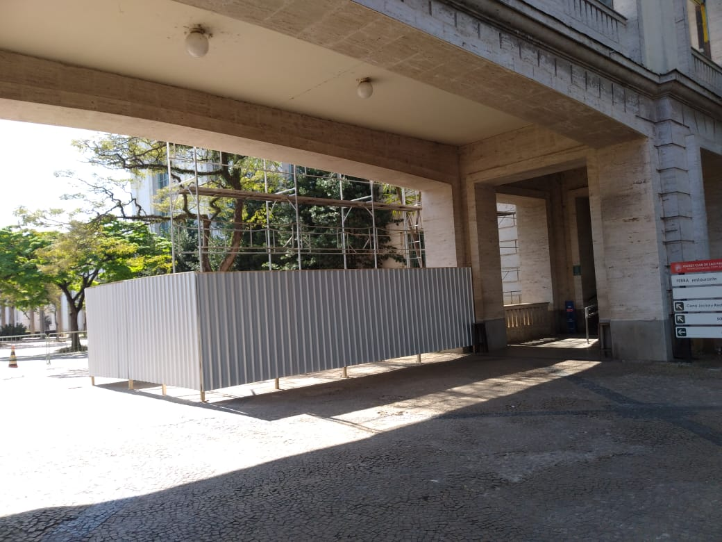 7. Instalação do tapume - abaixo da elevação do Passadiço