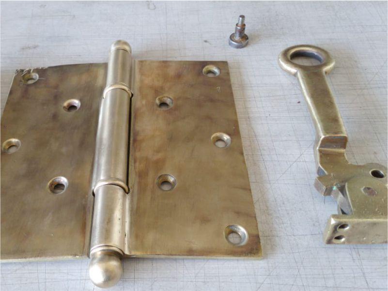 Restauro das peças de bronze